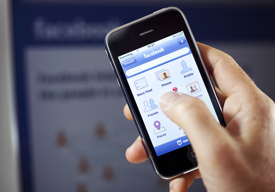 Facebook Policies Tricky for Employers, Employees