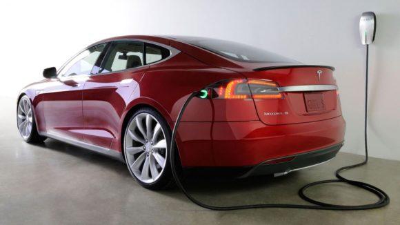 2 Fatal Tesla Crashes in Florida Trigger Federal Safety Investigations